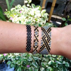 Plusieurs bracelets elyconia