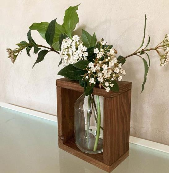 porte vase en bois